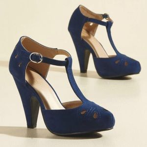 Navy T-strap Heels : New in Box